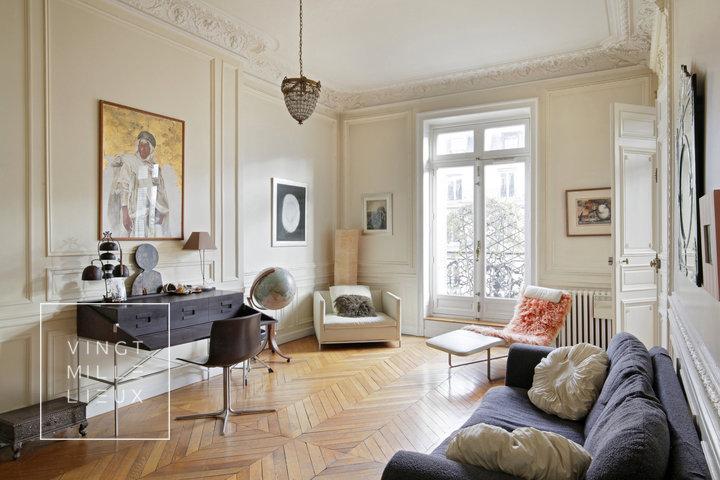 Lieu tournage film grand appartement parisien déco exotique
